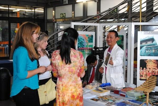 du-khách, du-lịch, hội-chợ, Việt-Nam, Lào, Campuhia, du-lịch-Việt-Nam, quảng-bá-du-lịch, khách-quốc-tế, du khách, du lịch, hội chợ, hội chợ du lịch, quảng bá du lịch, khách quốc tế