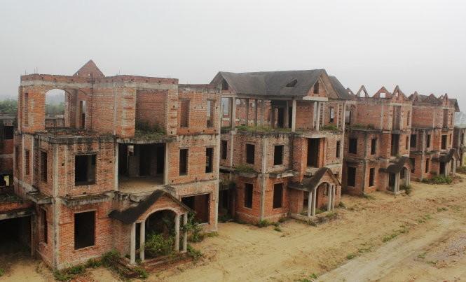 Biệt thự bỏ hoang - Ảnh: Doãn Hòa