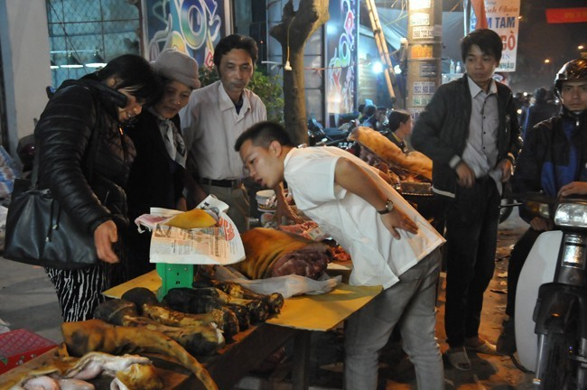 10 chợ bán hàng 'độc' chỉ có ở Việt Nam