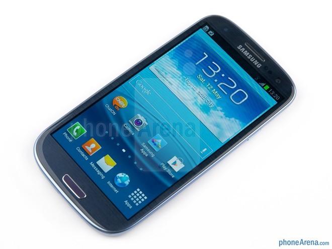 Galaxy S3: là một trong những thiết bị thành công nhất của Samsung. S3 là đối thủ đáng gờm của HTC One S và iPhone 4S tại thời điểm năm 2012.