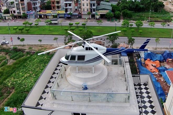 Mô hình trực thăng như thật trên nóc biệt thự 600 m2