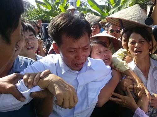 Ông Nguyễn Thanh Chấn trở về gia đình ngày 4-11-2013 sau hơn 10 năm tù oan