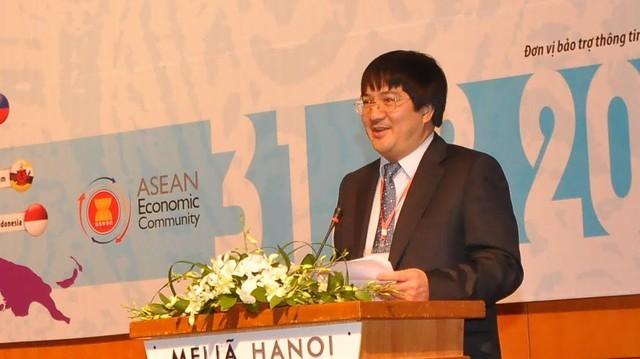 Doanh nhân Phạm Đình Đoàn trong bài phát biểu của mình ở buổi hội thảo. Ảnh: BIDV