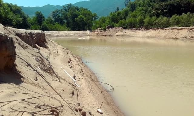 Thừa Thiên - Huế: Doanh nghiệp khai thác cát, người dân 'kêu trời' - Ảnh 7