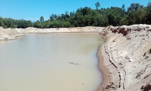 Thừa Thiên - Huế: Doanh nghiệp khai thác cát, người dân 'kêu trời' - Ảnh 8
