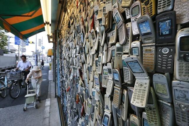 Điện thoại cơ bản vẫn là sự lựa chọn của nhiều người