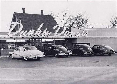Những cửa hàng Dukin' Donuts đầu tiên ở Boston doanhnhansaigon