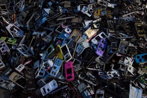 Kinh hoàng bãi chứa rác thải điện tử lớn nhất thế giới ở Trung Quốc - ảnh 4