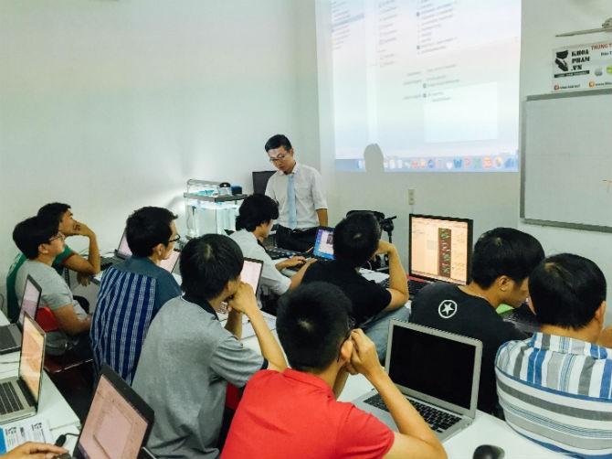 Báo Mỹ viết về cách các công ty công nghệ đào tạo nhân công tại Việt Nam