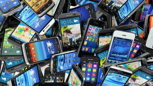 mobile-smartphones-pile-ss-192-7700-8786