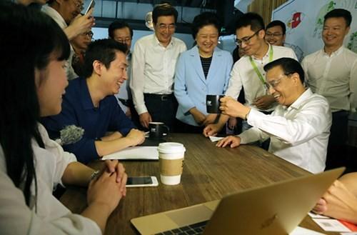 Thủ tướng Lý Khắc Cường đến thăm 3W cà phê doanhnhansaigon