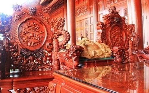 Những bộ bàn ghế độc, lạ ở Việt Nam - ảnh 5