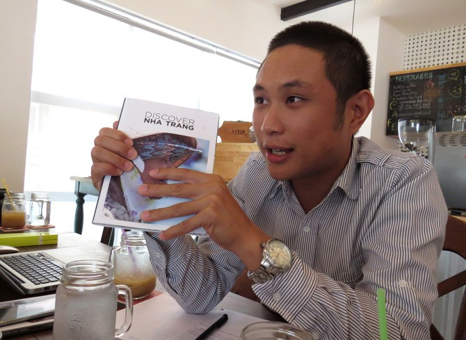 Trưởng ban biên tập tạp chí Discover Nha Trang, anh Allister Esguerra - Ảnh: DUY THANH