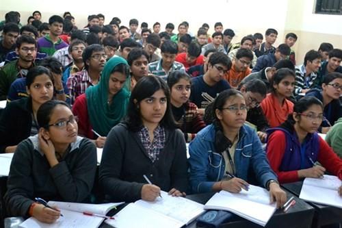 Khảo sát của Aspiring Minds cho thấy chỉ có 19% số cử nhân các ngành kỹ thuật tại Ấn Độ là đủ tiêu chuẩn làm việc - Ảnh: prx.org