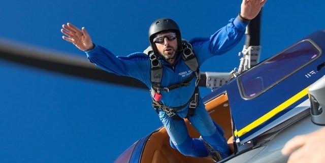 Nhảy dù - bộ môn mạo hiểm ưa thích của người đàn ông giác ngộ Sergey Brin.