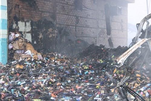 Cháy lớn ở KCN Vĩnh Lộc, hàng trăm chiến sĩ chữa cháy được huy động 3