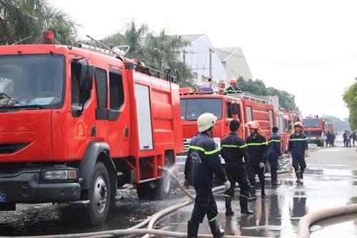 Cháy lớn ở KCN Vĩnh Lộc, hàng trăm chiến sĩ chữa cháy được huy động 5