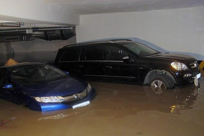 Chung cư Hàn Quốc ở Sài Gòn ngập nặng sau ba ngày mưa