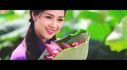 Những cô gái Việt Nam xinh đẹp trong clip Welcome to Vietnam