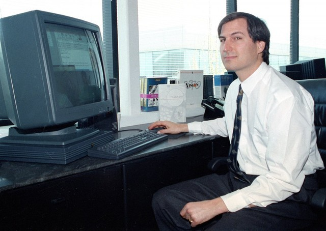 Cố CEO Steve Jobs thuở hàn vi