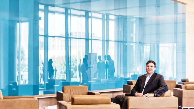 Chủ tịch Cox Enterprises Jim Kennedy tại trụ sở công ty. Nguồn: Jamel Toppin/Forbes