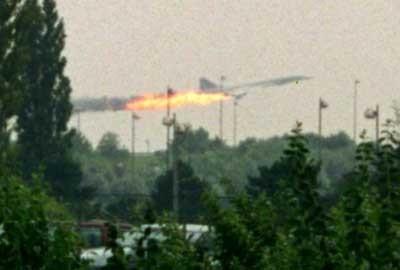 Máy bay Concorde bốc cháy khi mới cất cánh khỏi đường băng