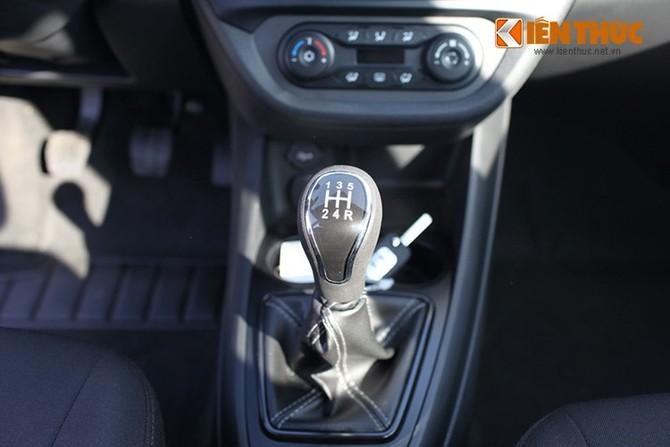 Can canh Lada Vesta, oto Nga gia chi tu 156 trieu dong-Hinh-15