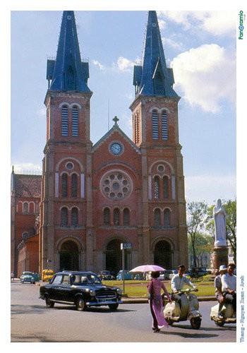 Nhà thờ Đức Bà năm 1966 - Ảnh: Tom Briggs