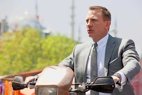 James Bond chỉ là người thường và không có phép màu