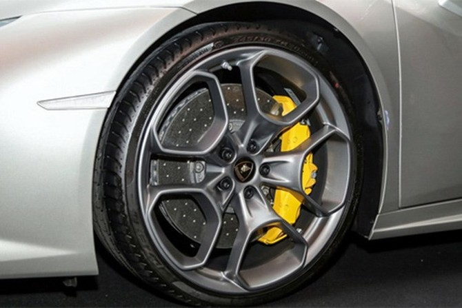 Lamborghini Huracan Spyder ra mat tai Malaysia gia hon 7 ty-Hinh-8