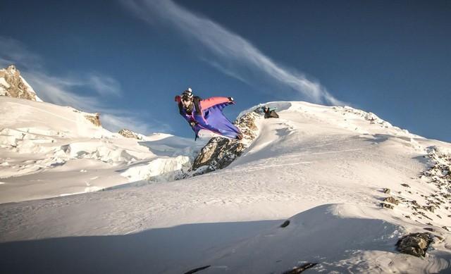 Vận động viên mạo hiểm trên núi Mont Blanc trong phim Don't Crack Under Pressure