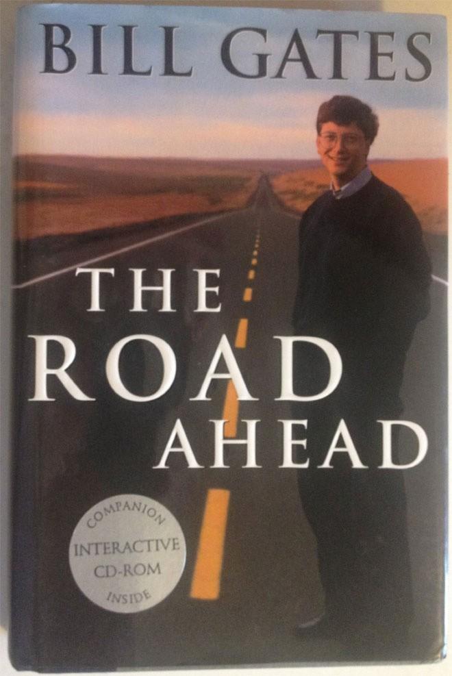 """Nhà khách rộng gần 180 mét vuông của dinh thự cũng sử dụng công nghệ cao không kém nhà chính. Đây cũng là nơi mà Bill Gates viết cuốn """"The Road Ahead"""" (tạm dịch: """"Con đường phía trước""""."""