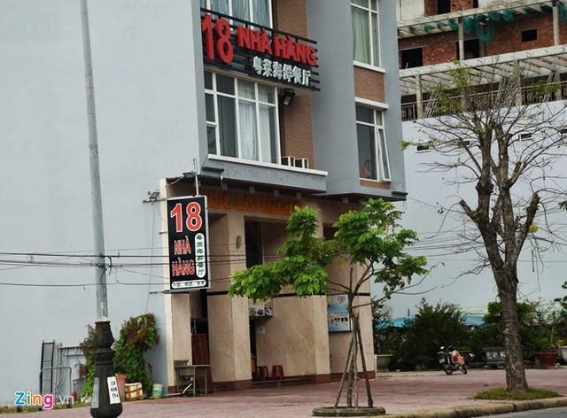 Trên giấy tờ, các lô đất này do người Việt đứng tên nhưng sau khi xây khách sạn, ông chủ lại là người Trung Quốc. Ảnh: Đ.Nguyên.