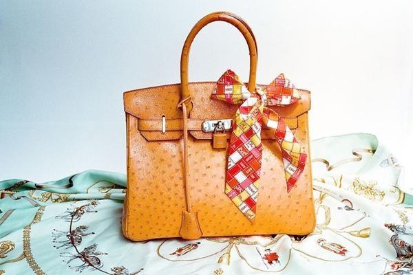 Mỗi chiếc túi còn là một tác phẩm nghệ thuật hoàn hảo