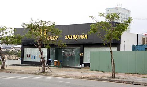 Showroom cam khach Viet tai Da Nang: Vi lo bi trom?