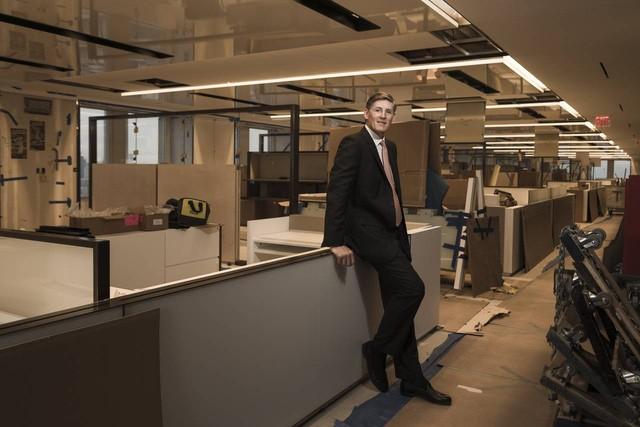 CEO Micheal Corbat và trụ sơ mới của Citigroup