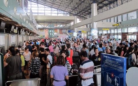 ùn tắc máy bay, sân bay Tân Sơn Nhất, chậm chuyến hủy chuyến bay