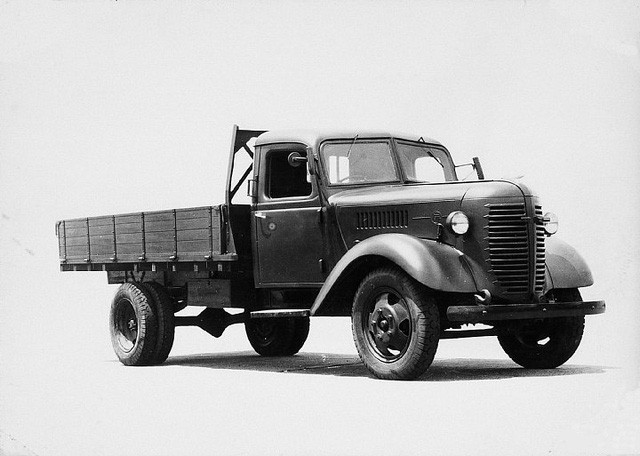 Xe tải cho quân đội Nhật Bản trong Thế chiến II