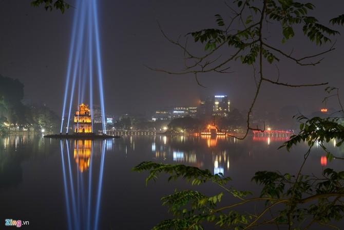 Phố phường Hà Nội rực rỡ đón Tết Bính Thân