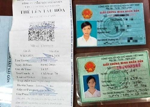 Vé giả và CMND giả bị Công an và nhân viên ga Sài Gòn phát hiện.