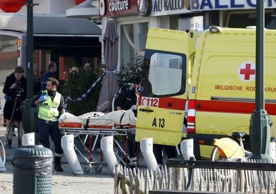 4 nhân viên an ninh bị thương. Ảnh: Reuters