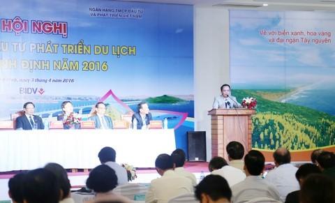 """""""Ở Bình Định, trên rải hoa, dưới trải thảm đối với nhà đầu tư"""", ông Quyết nói"""