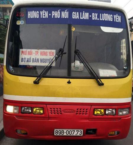 Chiếc xe khách được nguy trang giống xe buýt vừa bị phát hiện, xử lý.