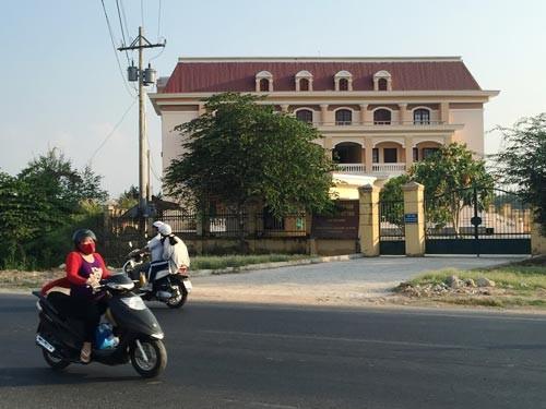 TAND TP Mỹ Tho, tỉnh Tiền Giang và 3 bản án của bị cáo Bùi Hữu Giang trong năm 2009