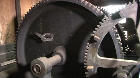 Bí mật bên trong chiếc đồng hồ cổ nhất ở nhà thờ Đức Bà Sài Gòn - ảnh 2
