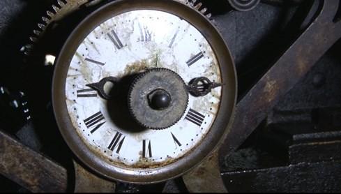 Bí mật bên trong chiếc đồng hồ cổ nhất ở nhà thờ Đức Bà Sài Gòn - ảnh 1