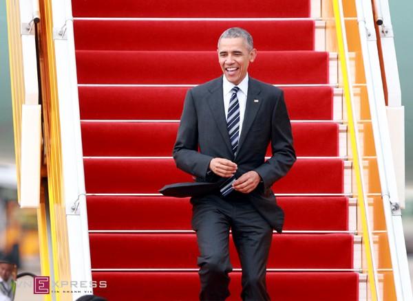 obama-san-bay-1300-1464083147.jpg