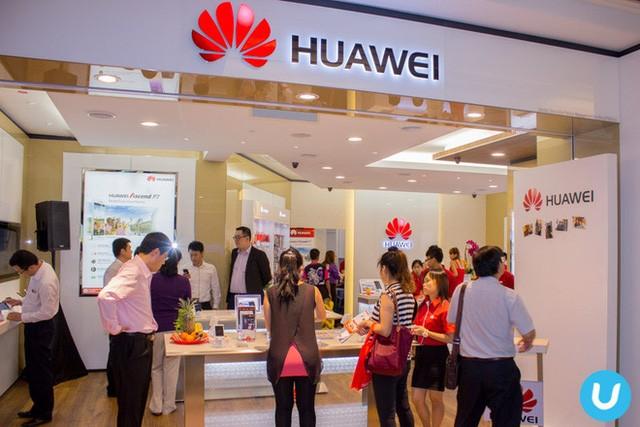 """""""Nều nhìn lại năm 2011, chỉ 31% người tiêu dùng muốn ủng hộ các công ty Trung Quốc bằng cách mua hàng Trung Quốc"""", Tanner nói. """"Chỉ một năm sau, con số này đã là 43%. Điều đó cho thấy thái độ của người tiêu dùng Trung Quốc đã thay đổi nhanh như thế nào""""."""