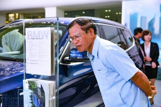 Mở cửa xe nhập không chính hãng, người tiêu dùng được 1 mất 10 - ảnh 2