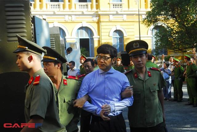 Bị cáo Phan Thành Mai nhìn không khác nhiều so với trước khi bị bắt giam